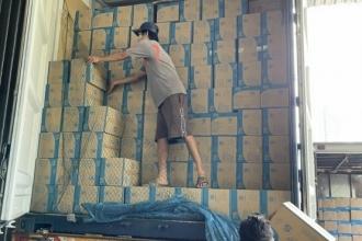 Ngày 27/07/2021 CONT hàng găng tay có bột và không bột Mã Lai về kho